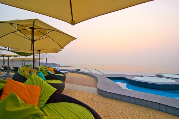 Royal Cliff Beach Terrace