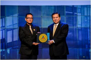 Royal Cliff Hotels Group and PEACH Awarded Thailand MICE Venue Certificate for Excellent Service and Quality