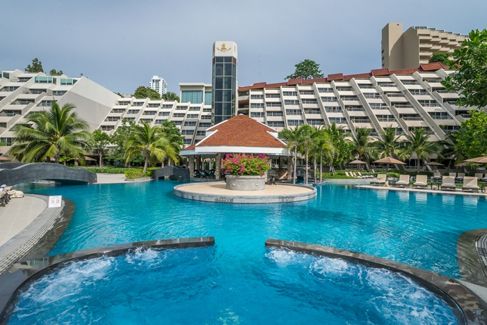 Swimming Pools Pattaya Royal Cliff